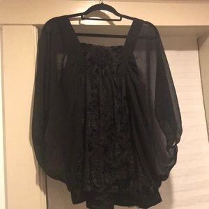 Women's black H&M top